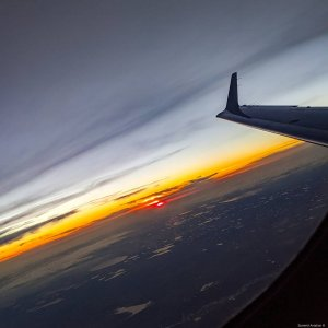 Happy #wingletwednesday!  #Embraer #phenom300 #embraerstories #flyingisawesome #privatejet #flying #bizav #instaplane #instagramaviation #Aviation #airplanes #sunset #livingthedream #charter #avgeek