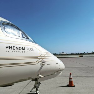 We're just out here soaking up some sunshine  #phenom300 #Embraer #embraerstories #flyingisawesome #privatejet #flying #bizav #instaplane