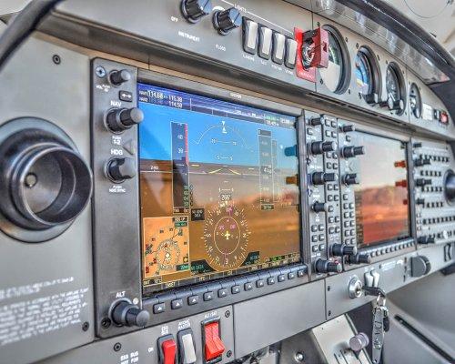DA40-G1000-2sm.jpg